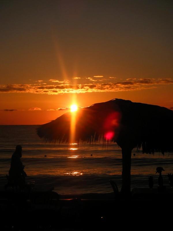 Name:  sunset1.jpg Views: 32 Size:  51.9 KB