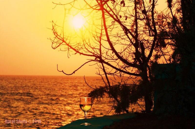 Name:  SunsetwineA.jpg Views: 21 Size:  76.6 KB