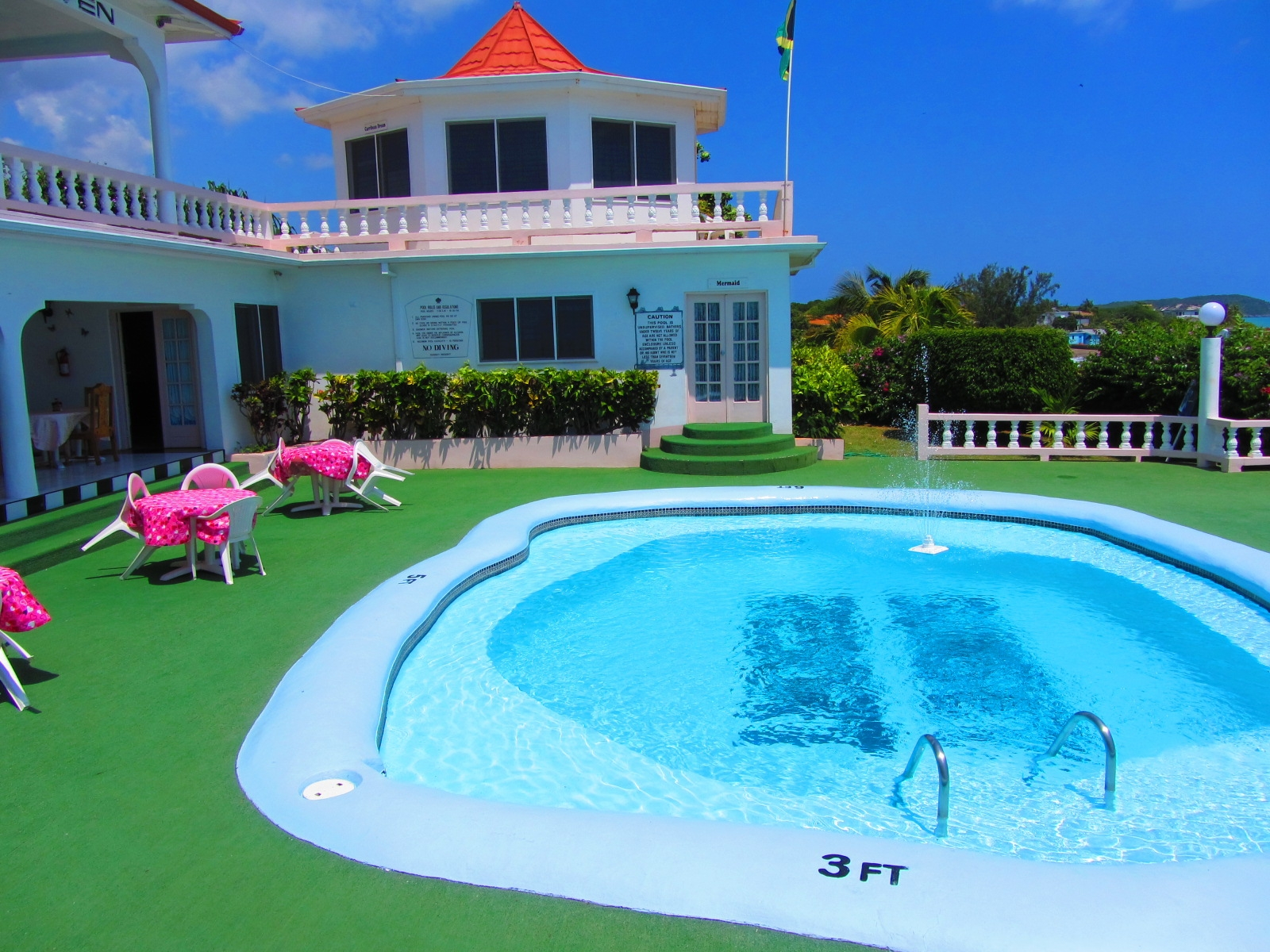 Name:  Sunset Resort.JPG Views: 374 Size:  1.19 MB