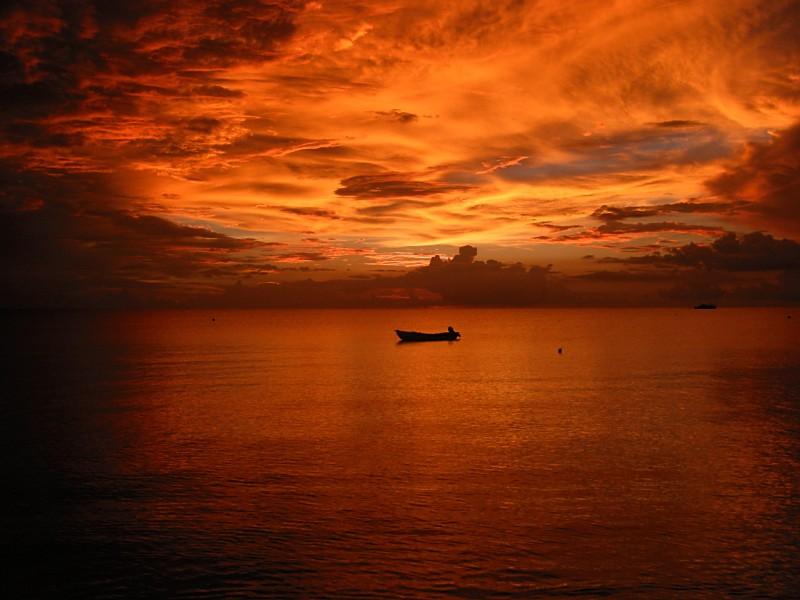 Name:  firesunsetboat.jpg Views: 31 Size:  95.4 KB